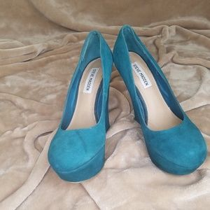 Steve Madden Pammyy Closed Toe Suede Heels 7.5M